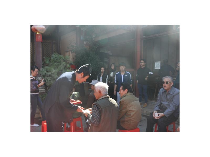 云南省道协廖东明会长慰问城市困难低保老人