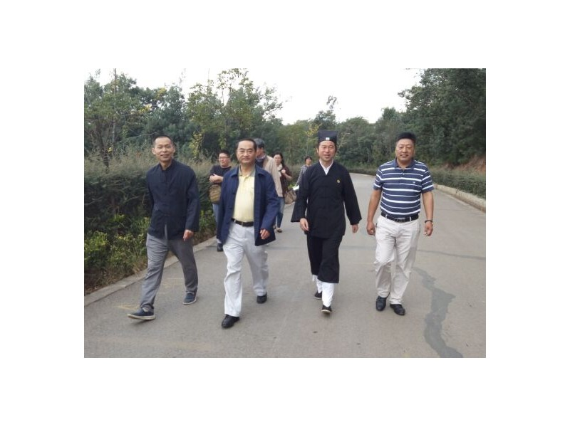 省民族宗教委副主任陆永耀一行到省道协龙泉观调研